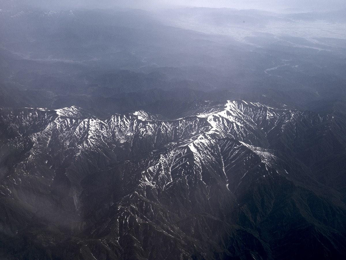 Lunta vuorilla Japanin keskiosassa.